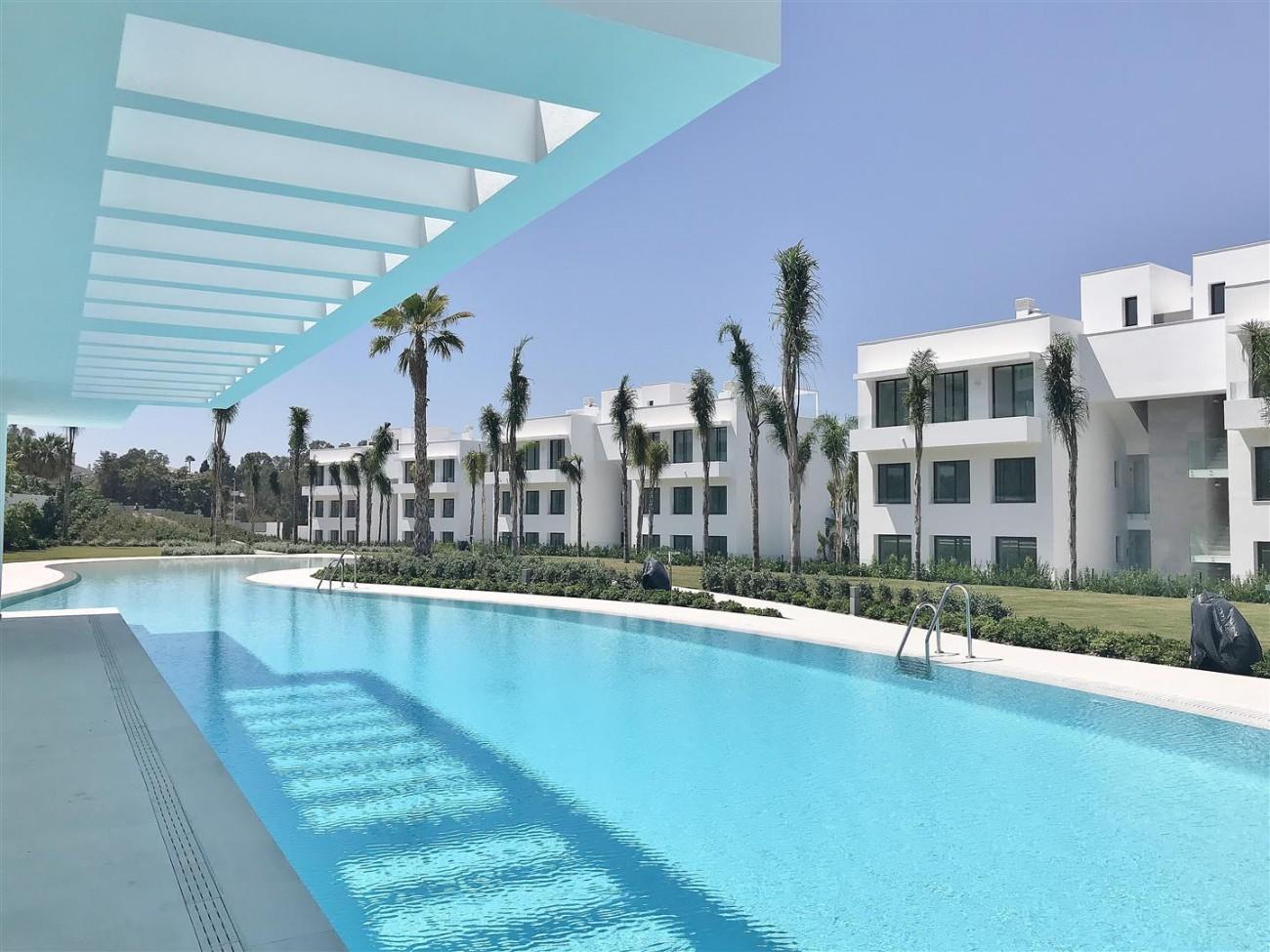 New Contemporary Apartment for sale Estepona Spain (8) (Large)