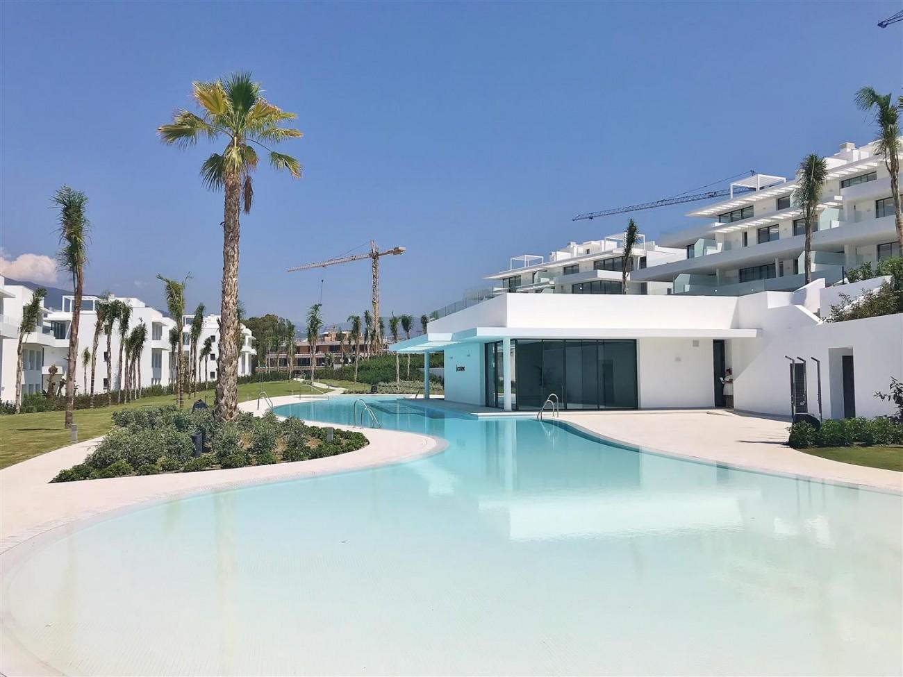 New Contemporary Apartment for sale Estepona Spain (11) (Large)
