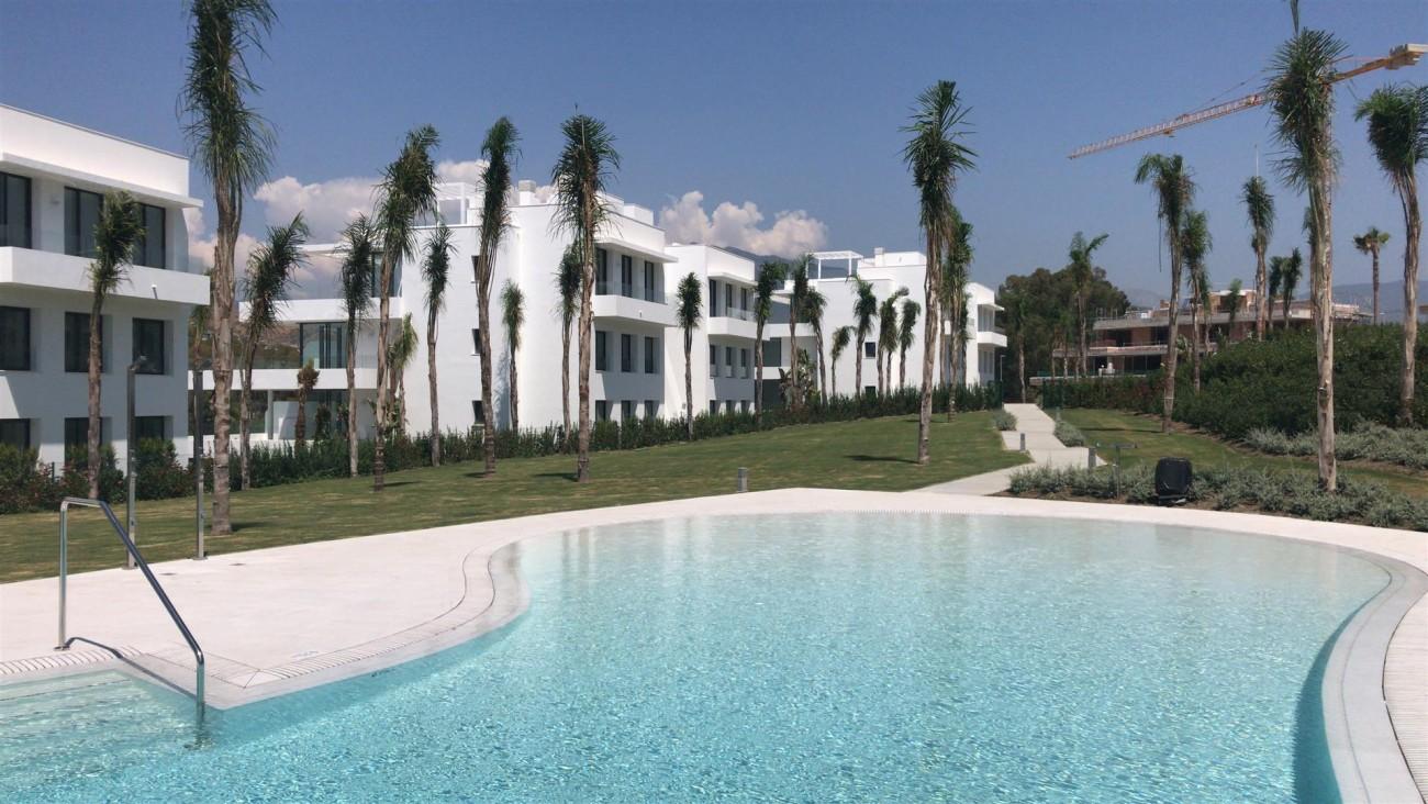 New Contemporary Apartment for sale Estepona Spain (14) (Large)