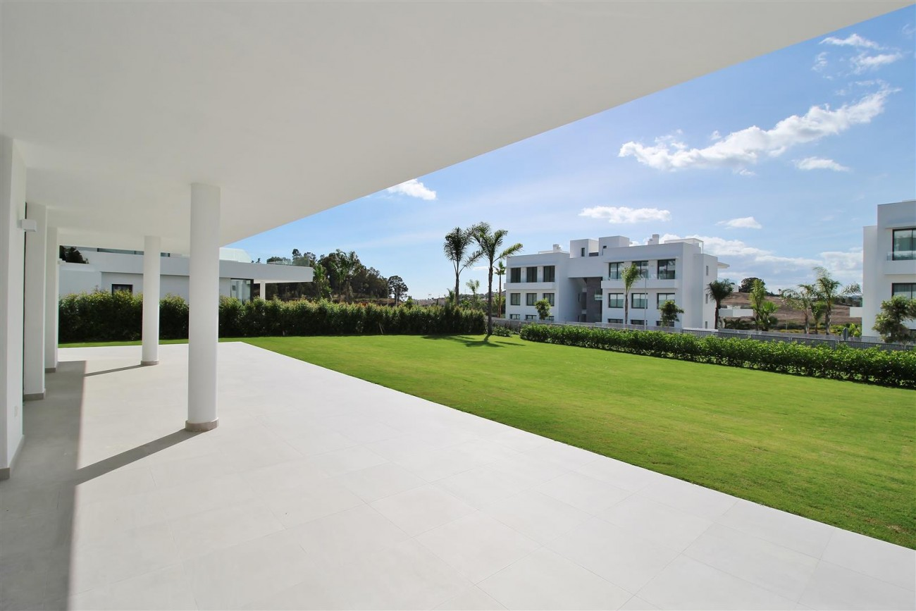 New Contemporary Apartment for sale Estepona Spain (15) (Large)