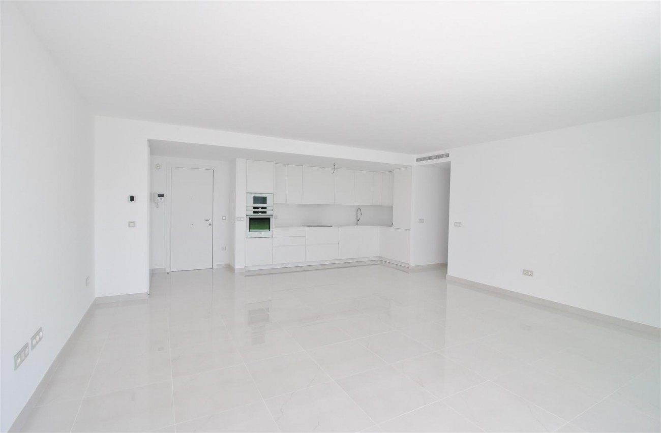New Contemporary Apartment for sale Estepona Spain (16) (Large)
