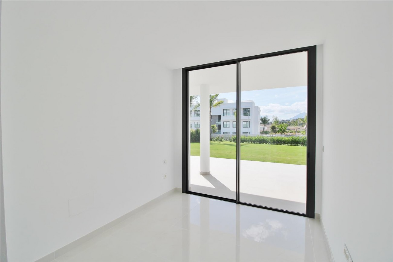 New Contemporary Apartment for sale Estepona Spain (23) (Large)