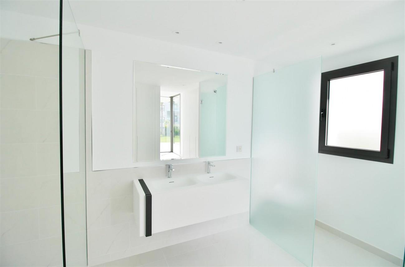 New Contemporary Apartment for sale Estepona Spain (25) (Large)