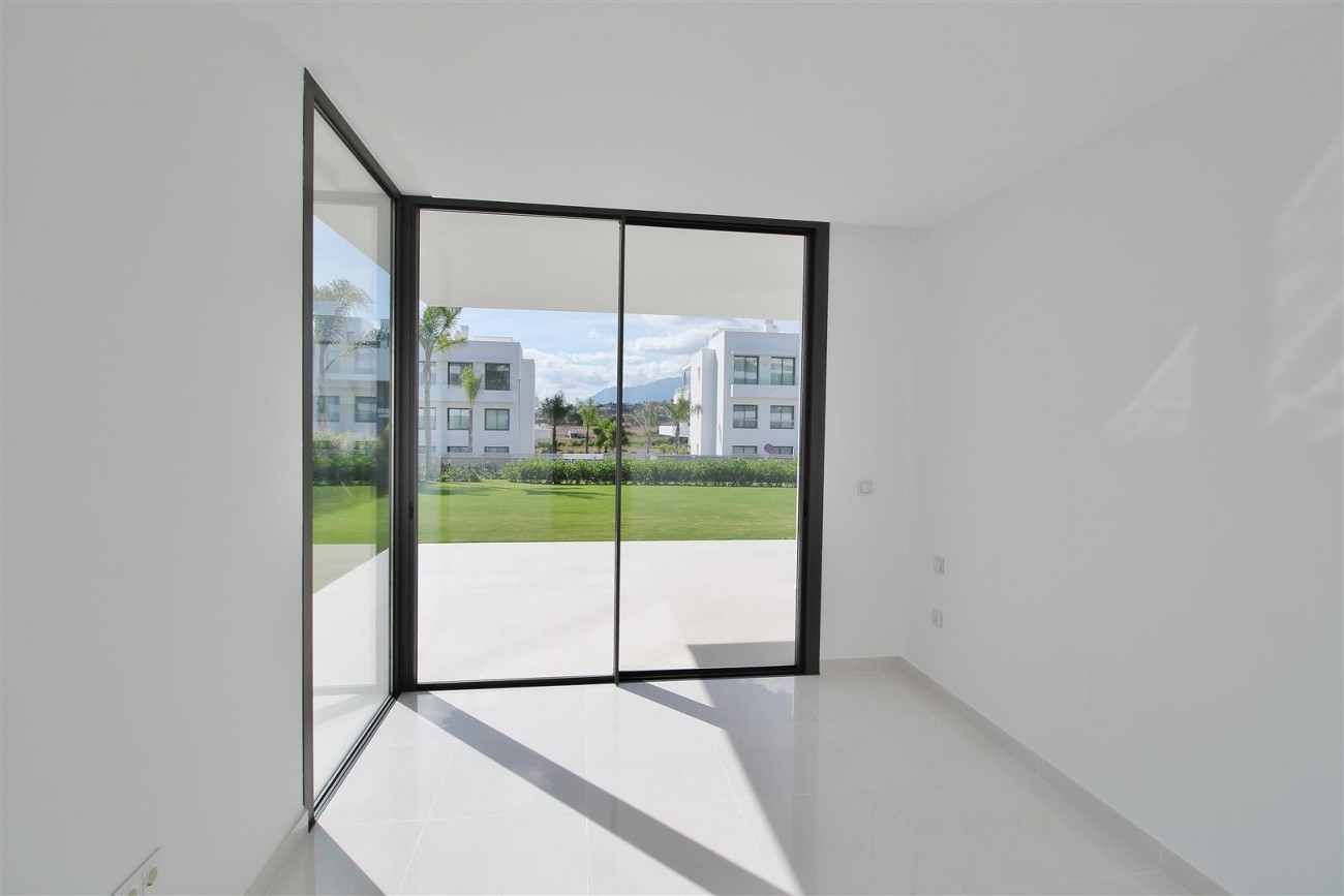 New Contemporary Apartment for sale Estepona Spain (28) (Large)