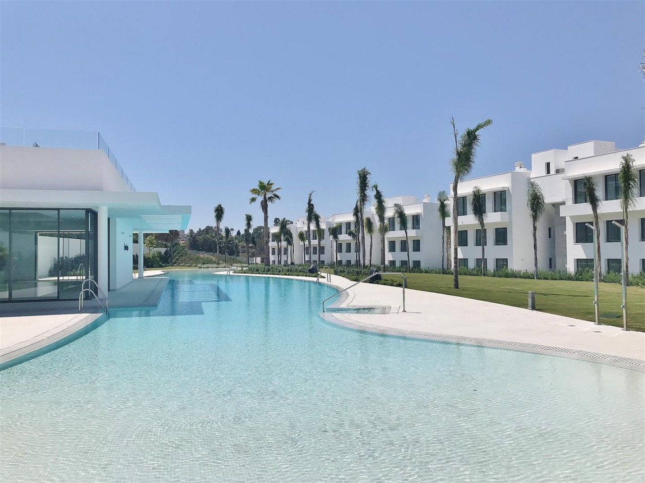 New Contemporary Apartment for sale Estepona Spain (32) (Large)