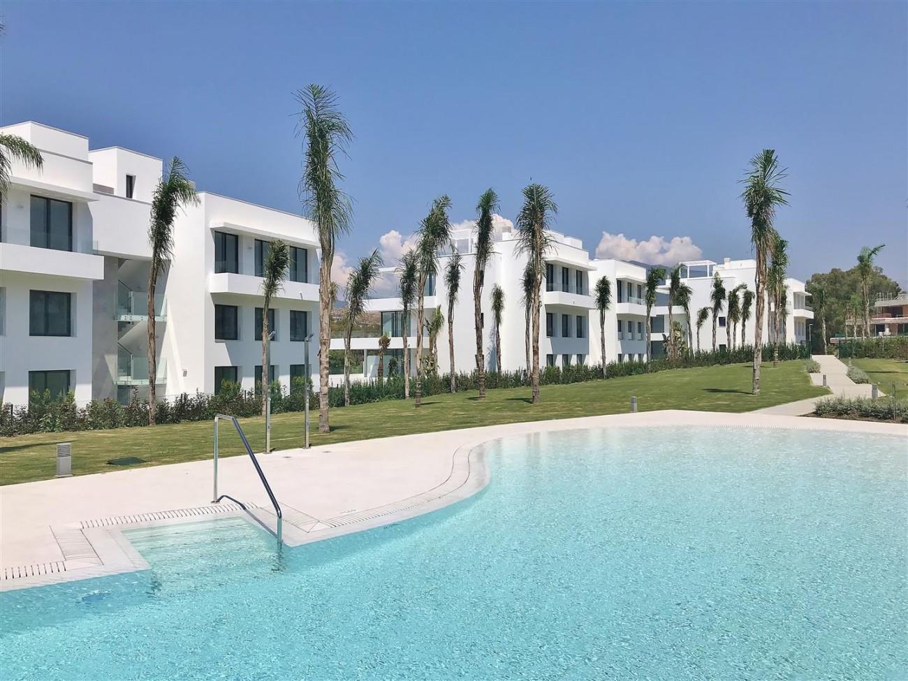 New Contemporary Apartment for sale Estepona Spain (33) (Large)