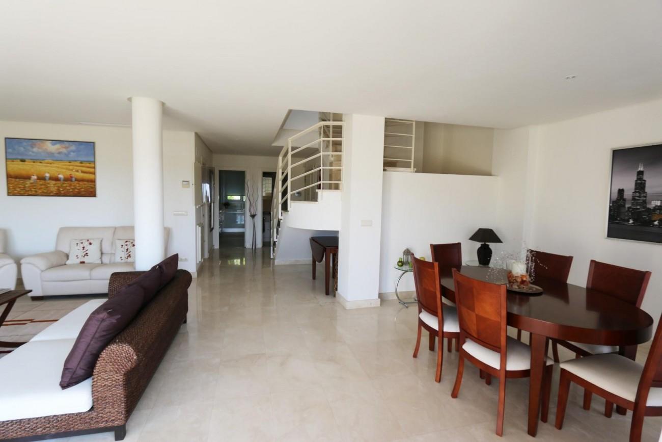Luxury Duplex Penthouse for sale Nueva Andalucia Marbella Spain (3) (Large)