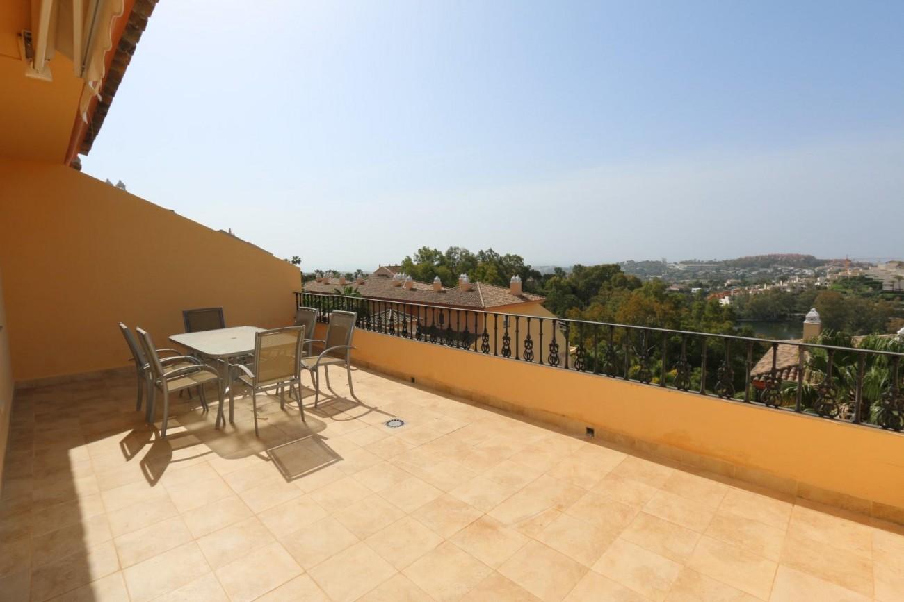 Luxury Duplex Penthouse for sale Nueva Andalucia Marbella Spain (17) (Large)