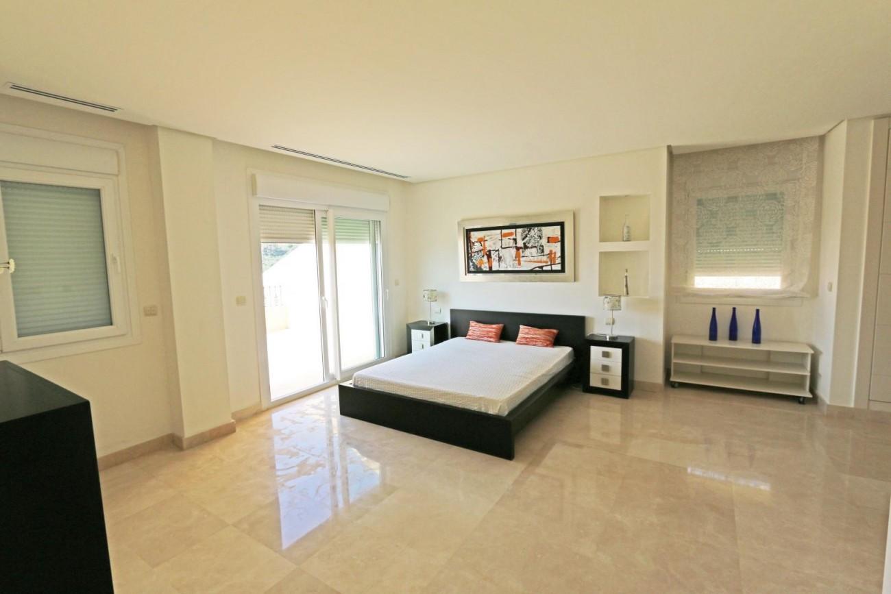 Luxury Duplex Penthouse for sale Nueva Andalucia Marbella Spain (21) (Large)