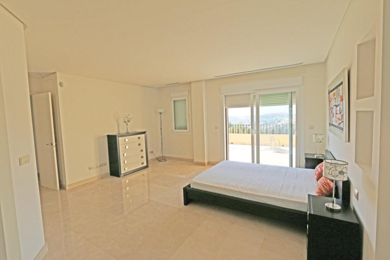 Luxury Duplex Penthouse for sale Nueva Andalucia Marbella Spain (13) (Large)