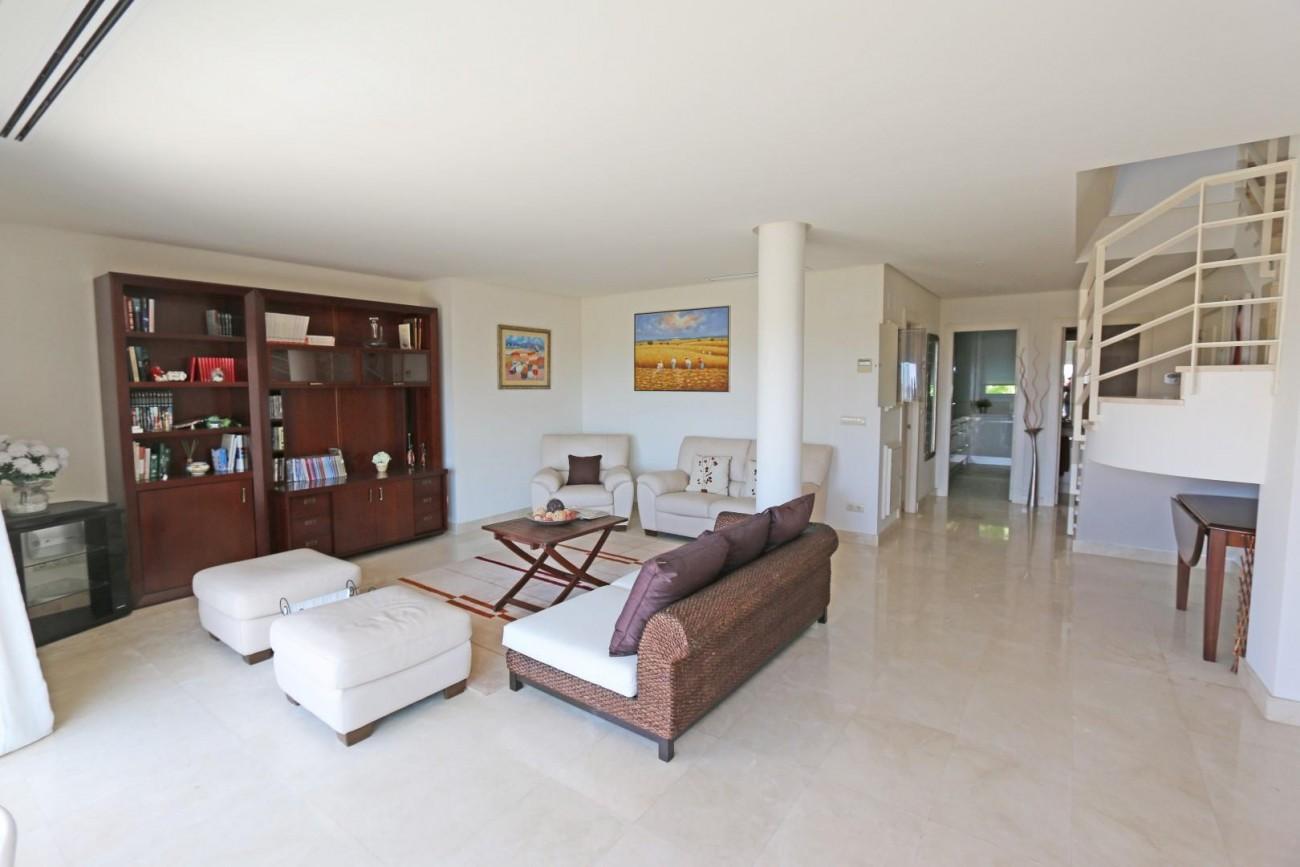Luxury Duplex Penthouse for sale Nueva Andalucia Marbella Spain (15) (Large)