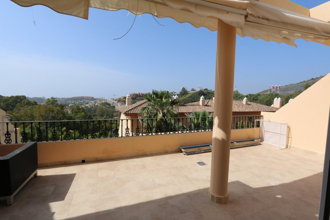 Luxury Duplex Penthouse for sale Nueva Andalucia Marbella Spain (9) (Large)