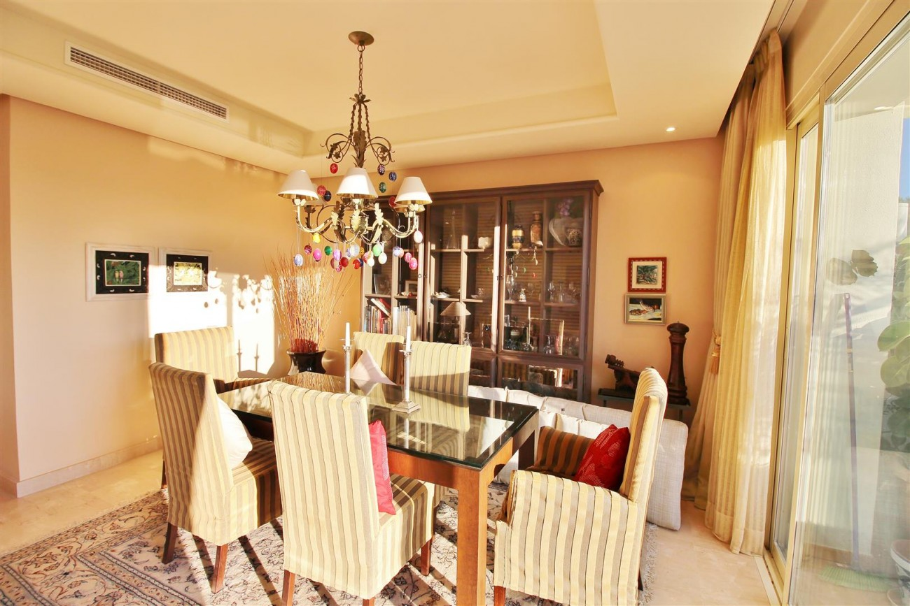 Penthouse for sale Marbella Golden Mile Spain (5) (Large)