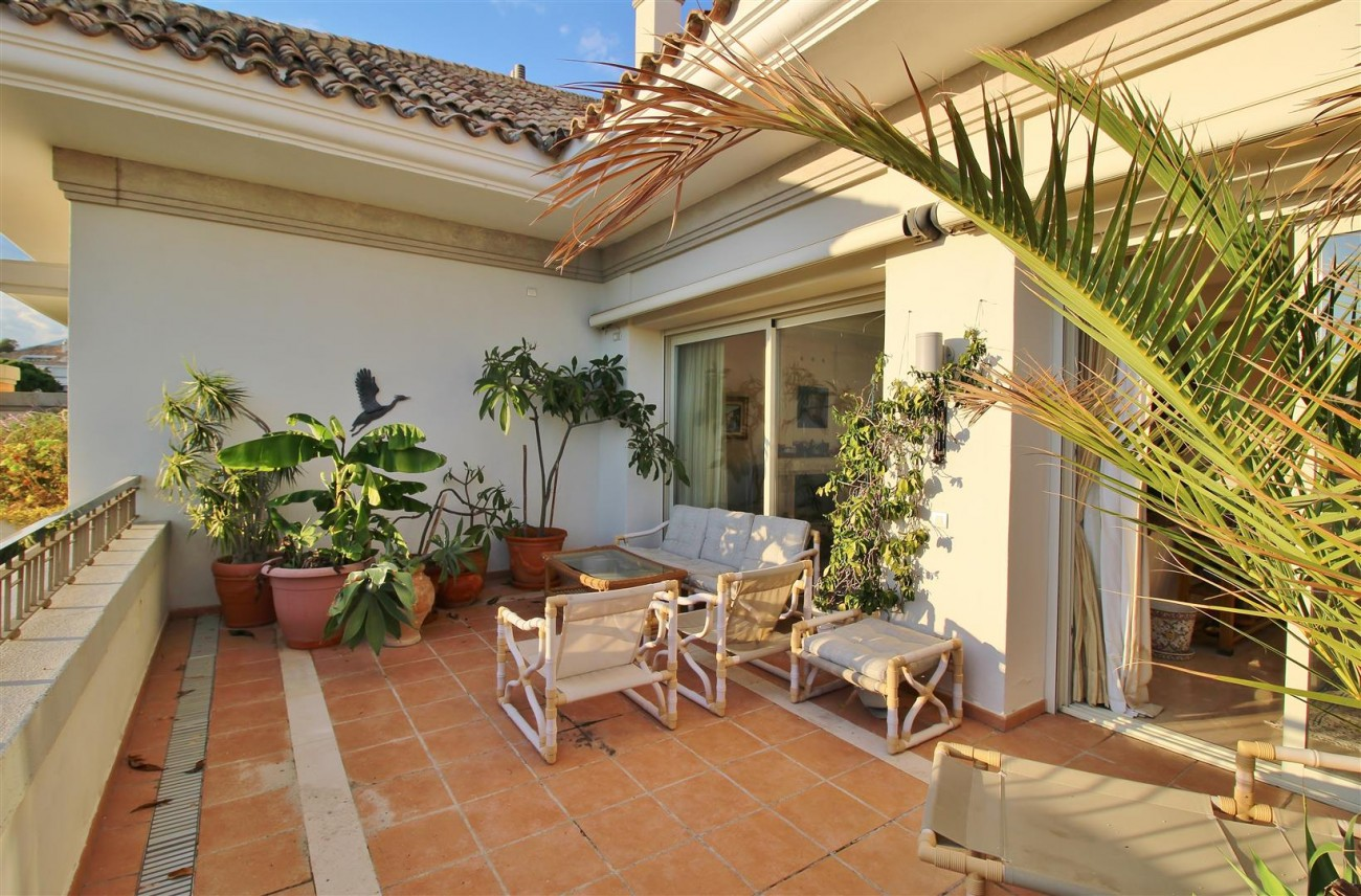 Penthouse for sale Marbella Golden Mile Spain (9) (Large)