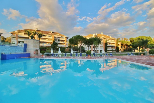 Apartment for Sale - 1.650.000€ - Golden Mile, Costa del Sol - Ref: 5916