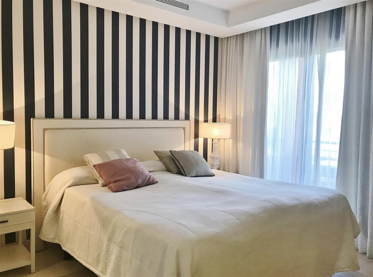 Apartment for sale Malibu Puerto Banus Marbella (12) (Large)