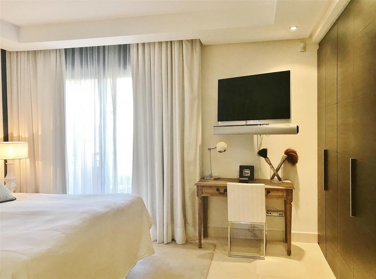 Apartment for sale Malibu Puerto Banus Marbella (14) (Large)