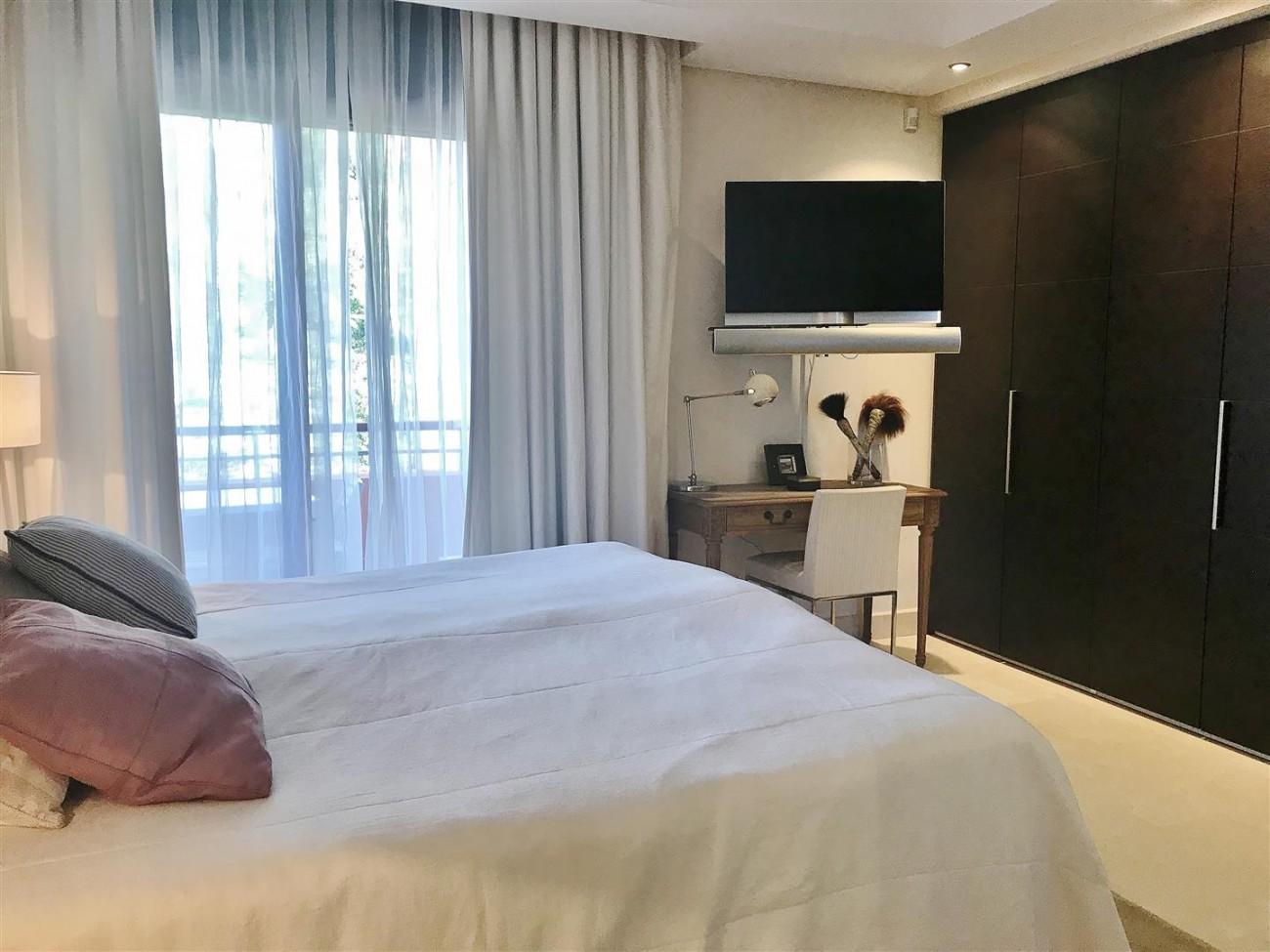 Apartment for sale Malibu Puerto Banus Marbella (17) (Large)