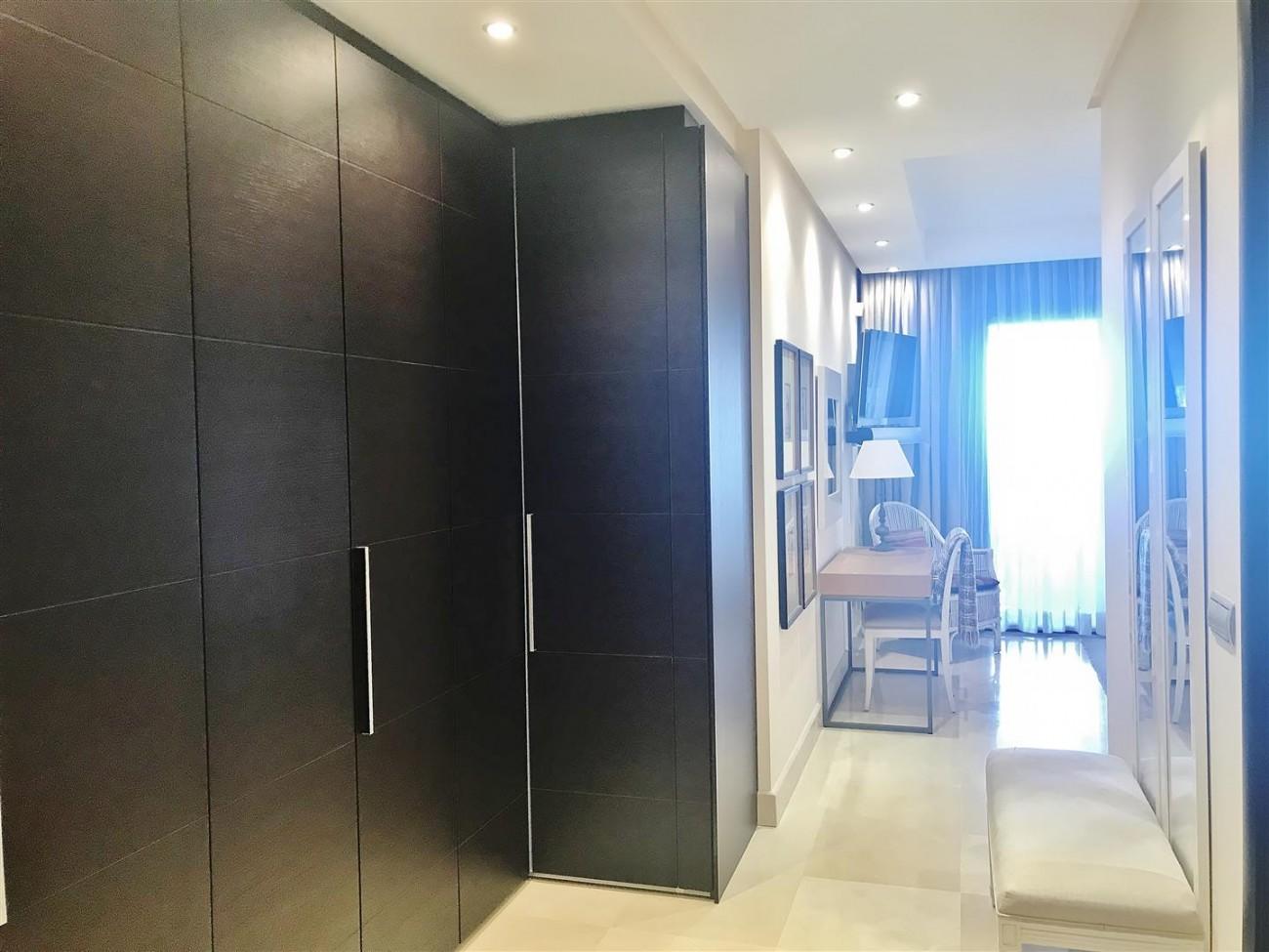 Apartment for sale Malibu Puerto Banus Marbella (19) (Large)