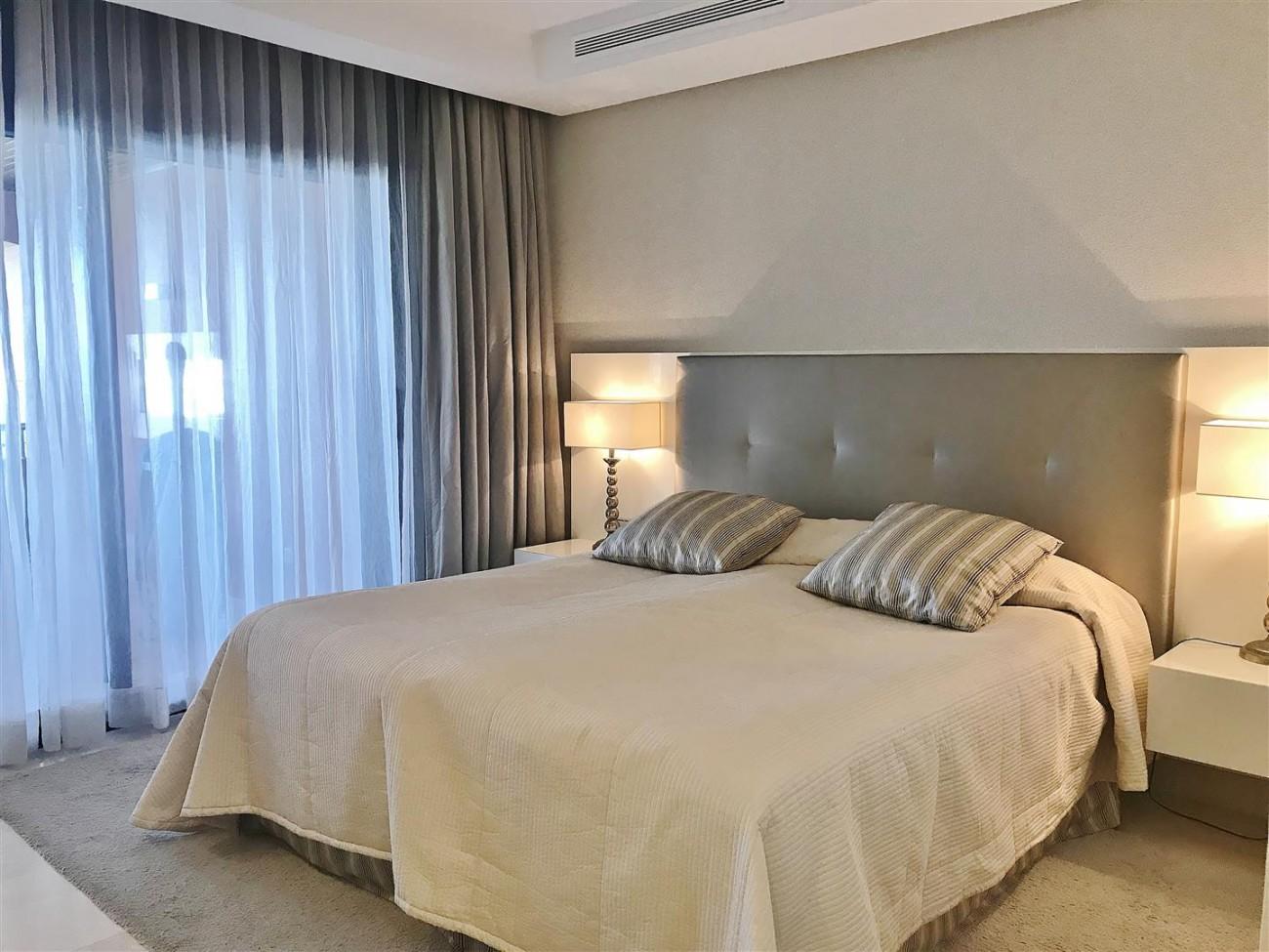 Apartment for sale Malibu Puerto Banus Marbella (22) (Large)