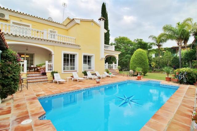 Villa for Sale - 1.850.000€ - Nueva Andalucía, Costa del Sol - Ref: 5923