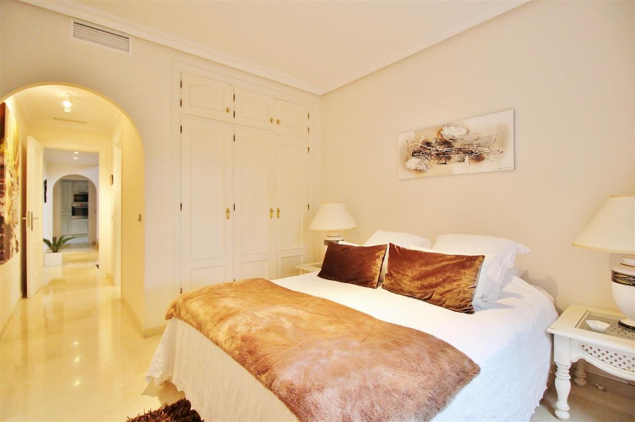 Luxury Villa for sale Nueva Andalucia Marbella Spain (8) (Large)