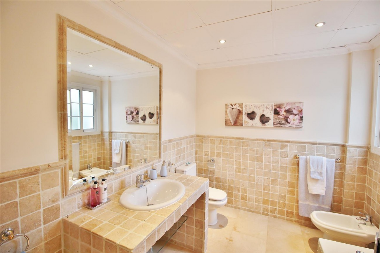 Luxury Villa for sale Nueva Andalucia Marbella Spain (18) (Large)