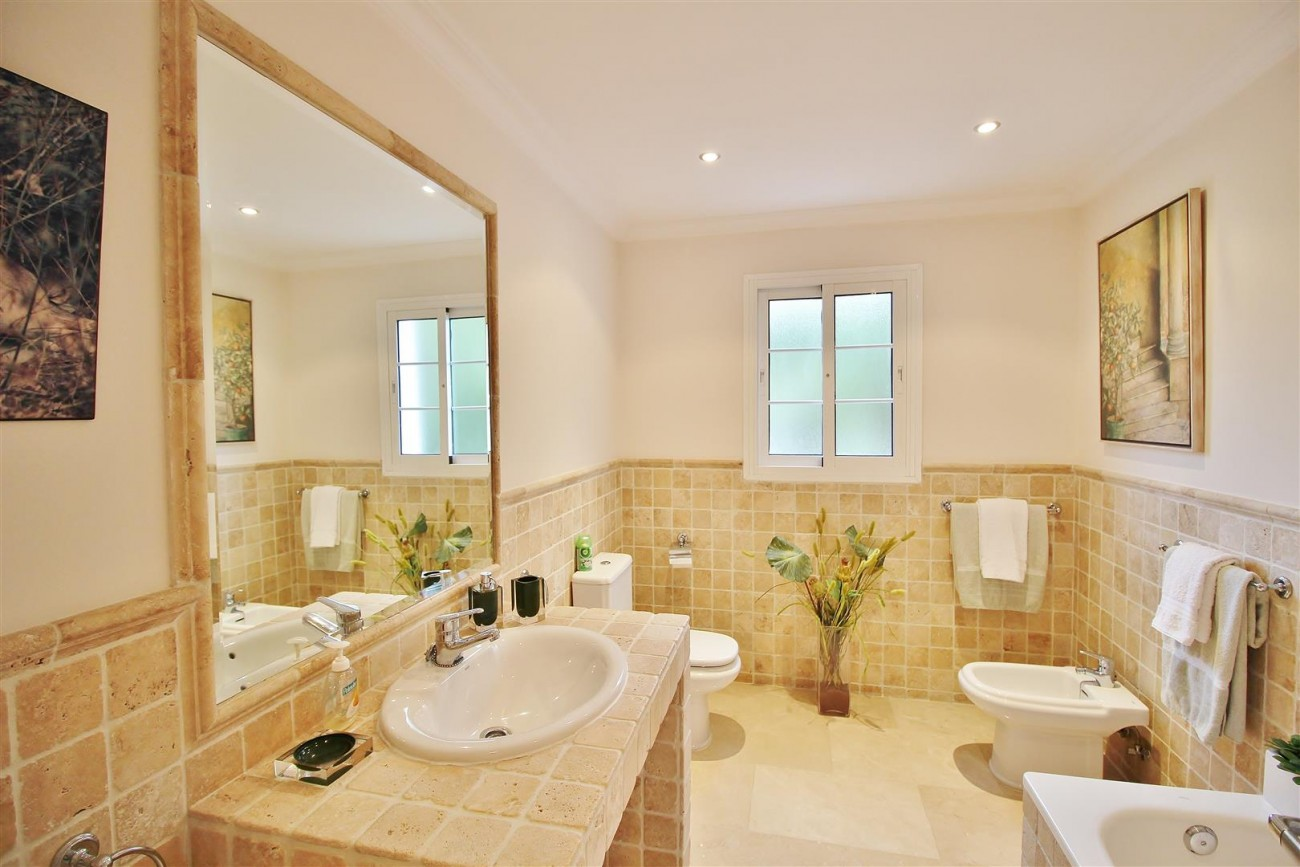 Luxury Villa for sale Nueva Andalucia Marbella Spain (24) (Large)