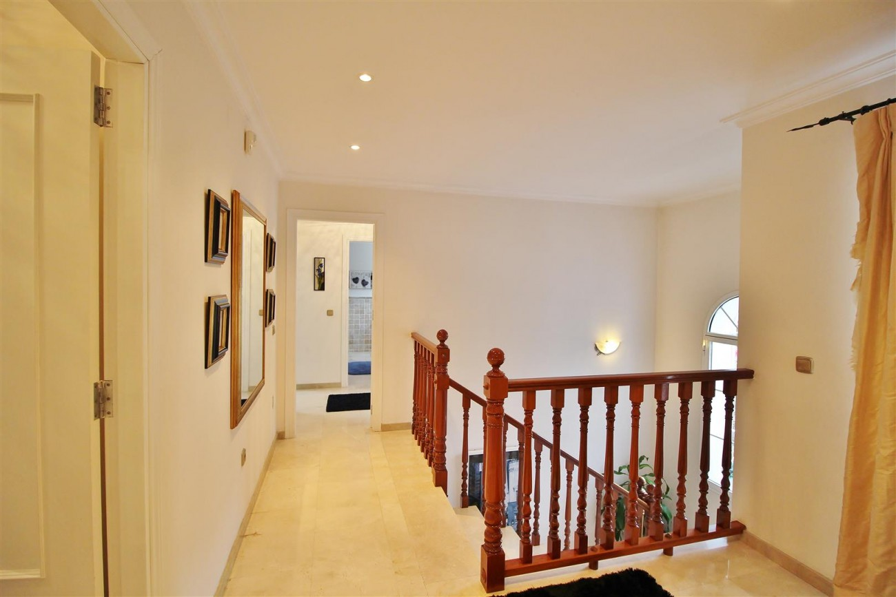 Luxury Villa for sale Nueva Andalucia Marbella Spain (25) (Large)