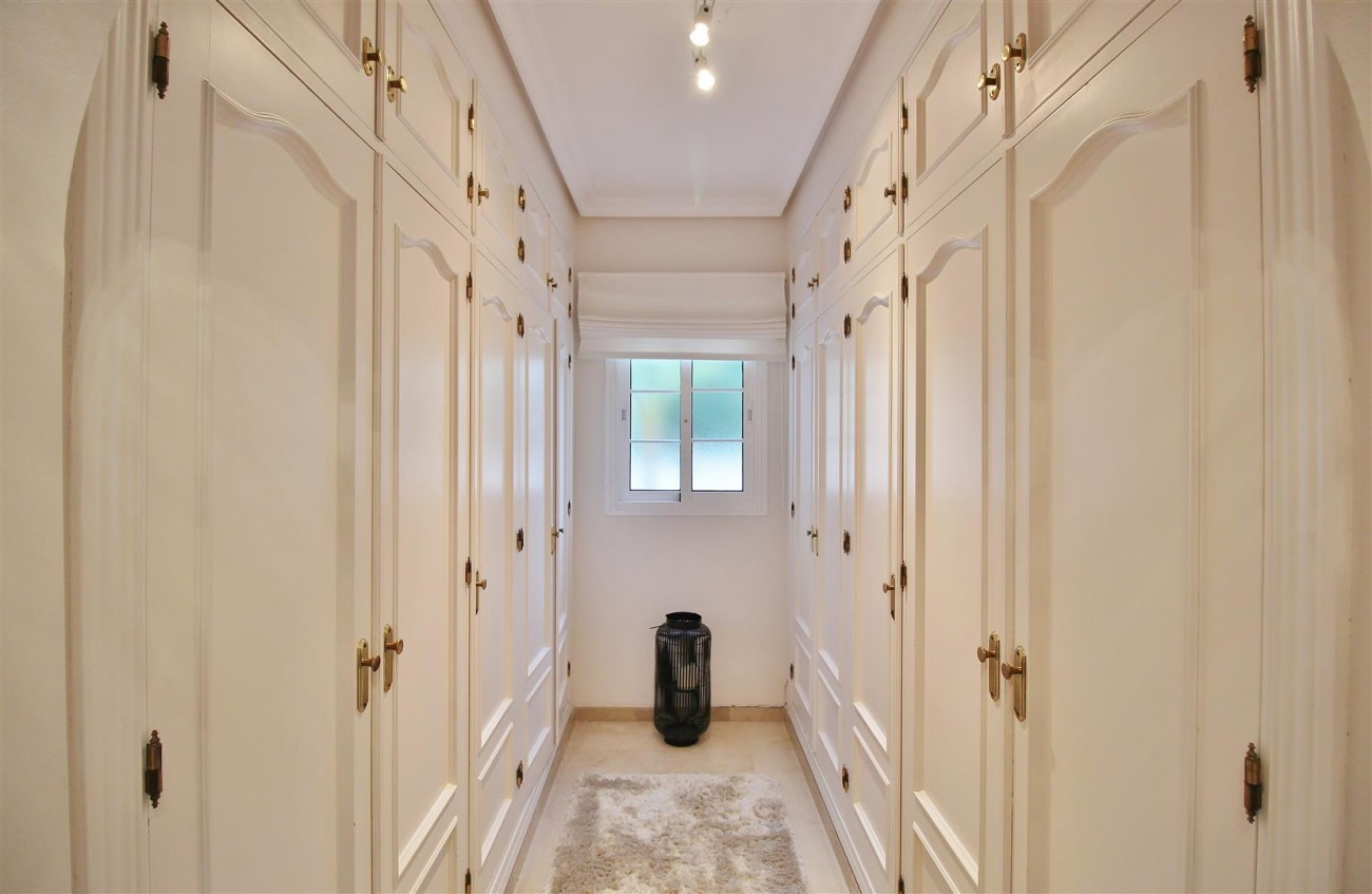 Luxury Villa for sale Nueva Andalucia Marbella Spain (26) (Large)