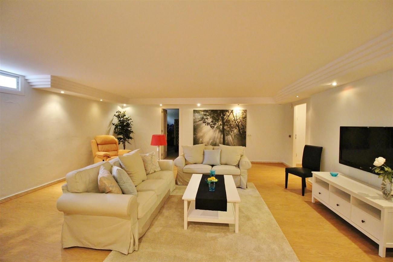 Luxury Villa for sale Nueva Andalucia Marbella Spain (33) (Large)
