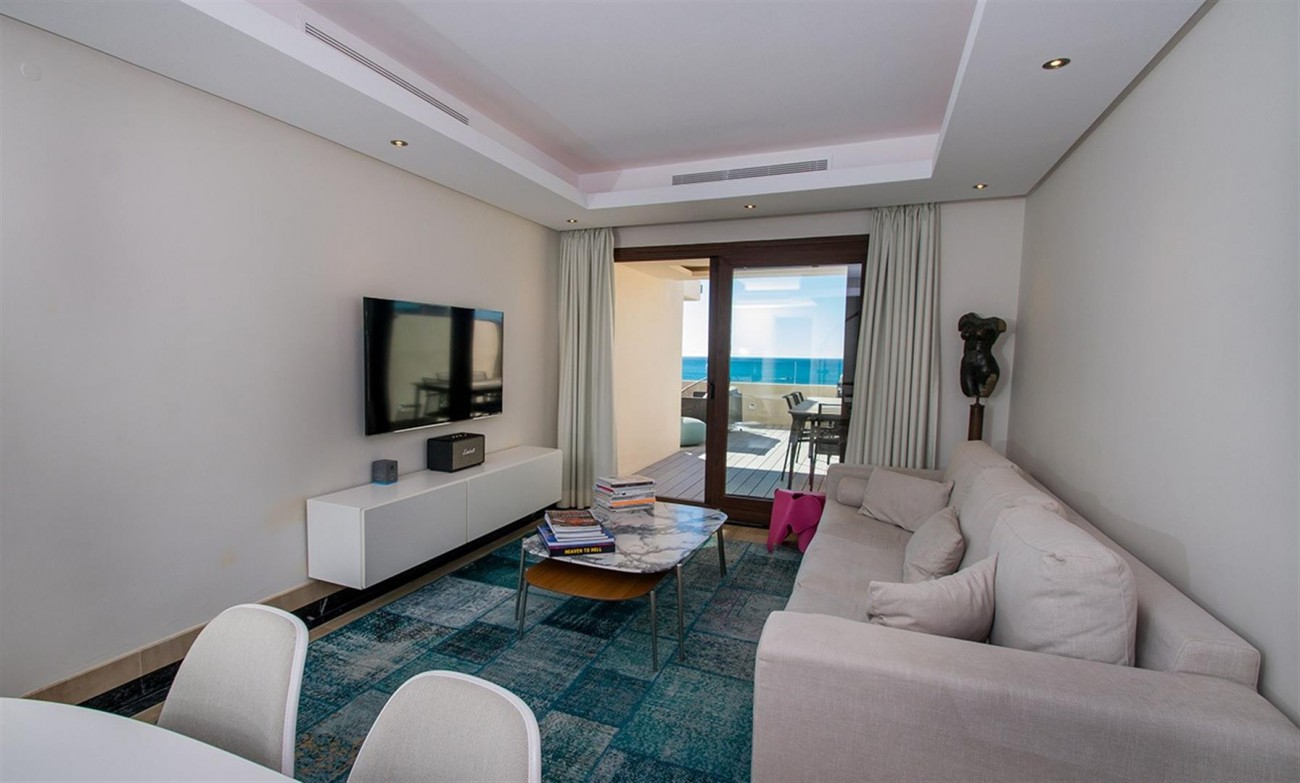 Frontline Beach Duplex Penthouse Estepona Spain (12) (Large)