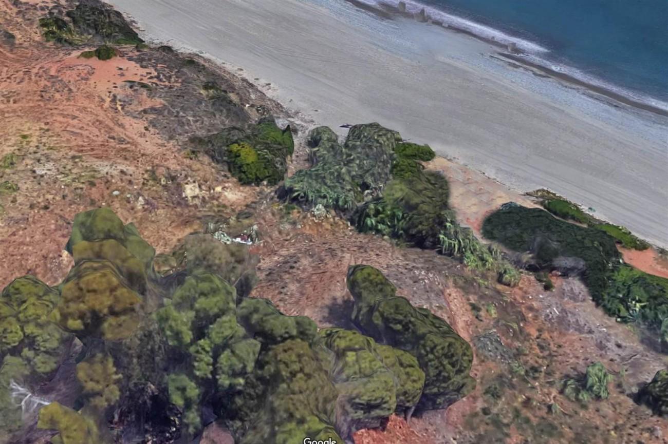 Frontline Beach Plot Estepona Spain (2) (Large)