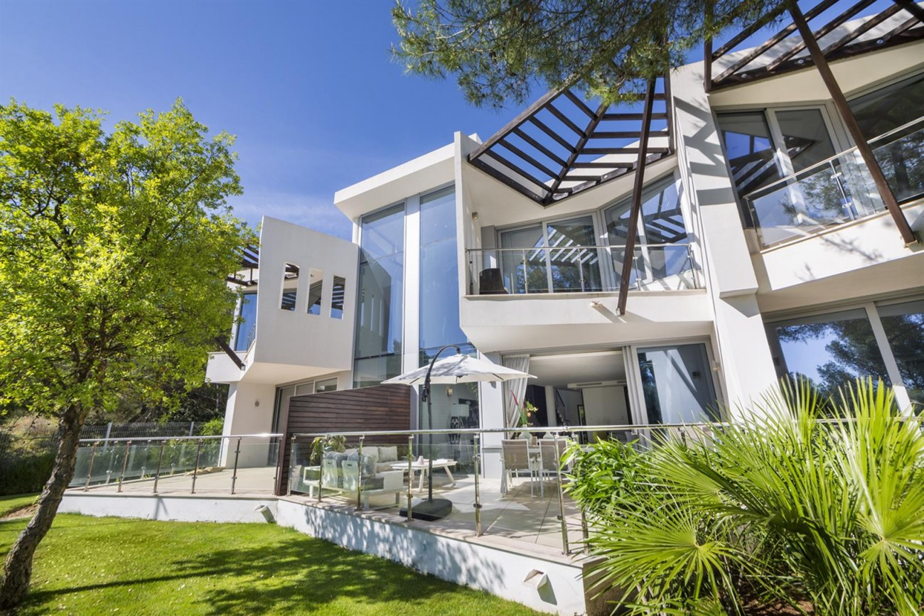 Luxury Contemporary Townhouse for sale in Exclusive Marbella Golden Mile Spain (4) (Large)