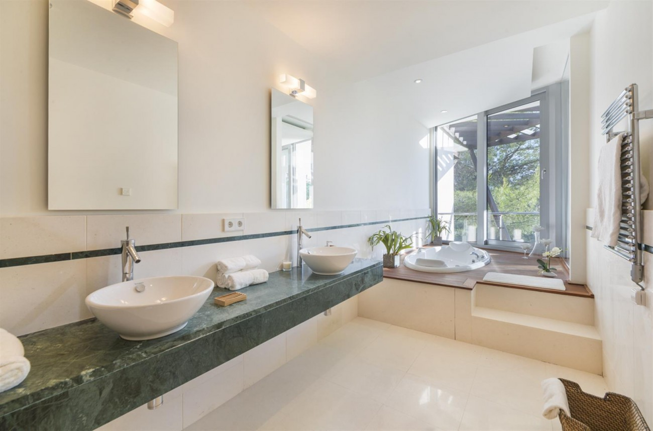 Luxury Contemporary Townhouse for sale in Exclusive Marbella Golden Mile Spain (9) (Large)