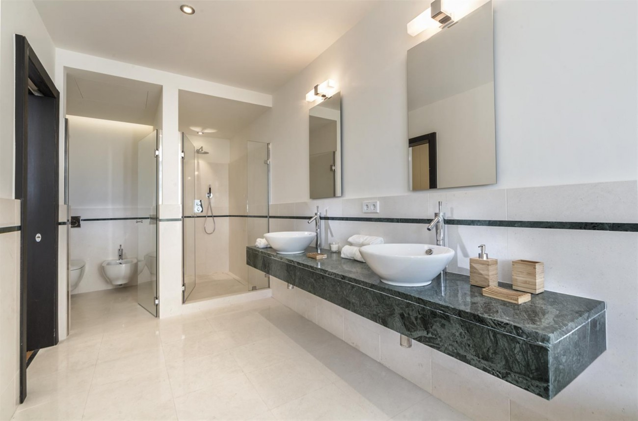 Luxury Contemporary Townhouse for sale in Exclusive Marbella Golden Mile Spain (10) (Large)
