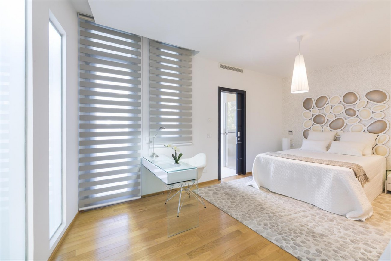 Luxury Contemporary Townhouse for sale in Exclusive Marbella Golden Mile Spain (11) (Large)