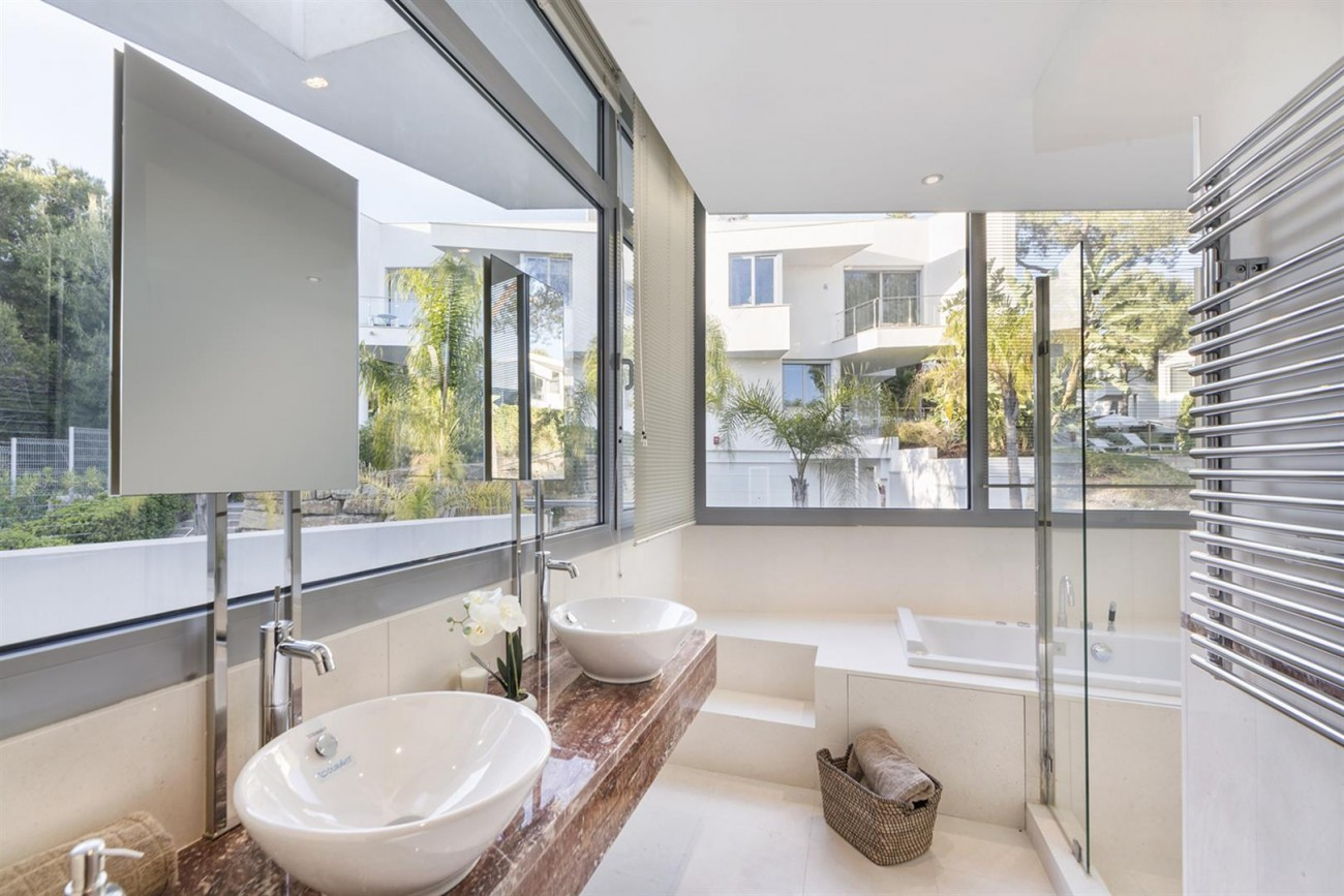 Luxury Contemporary Townhouse for sale in Exclusive Marbella Golden Mile Spain (12) (Large)