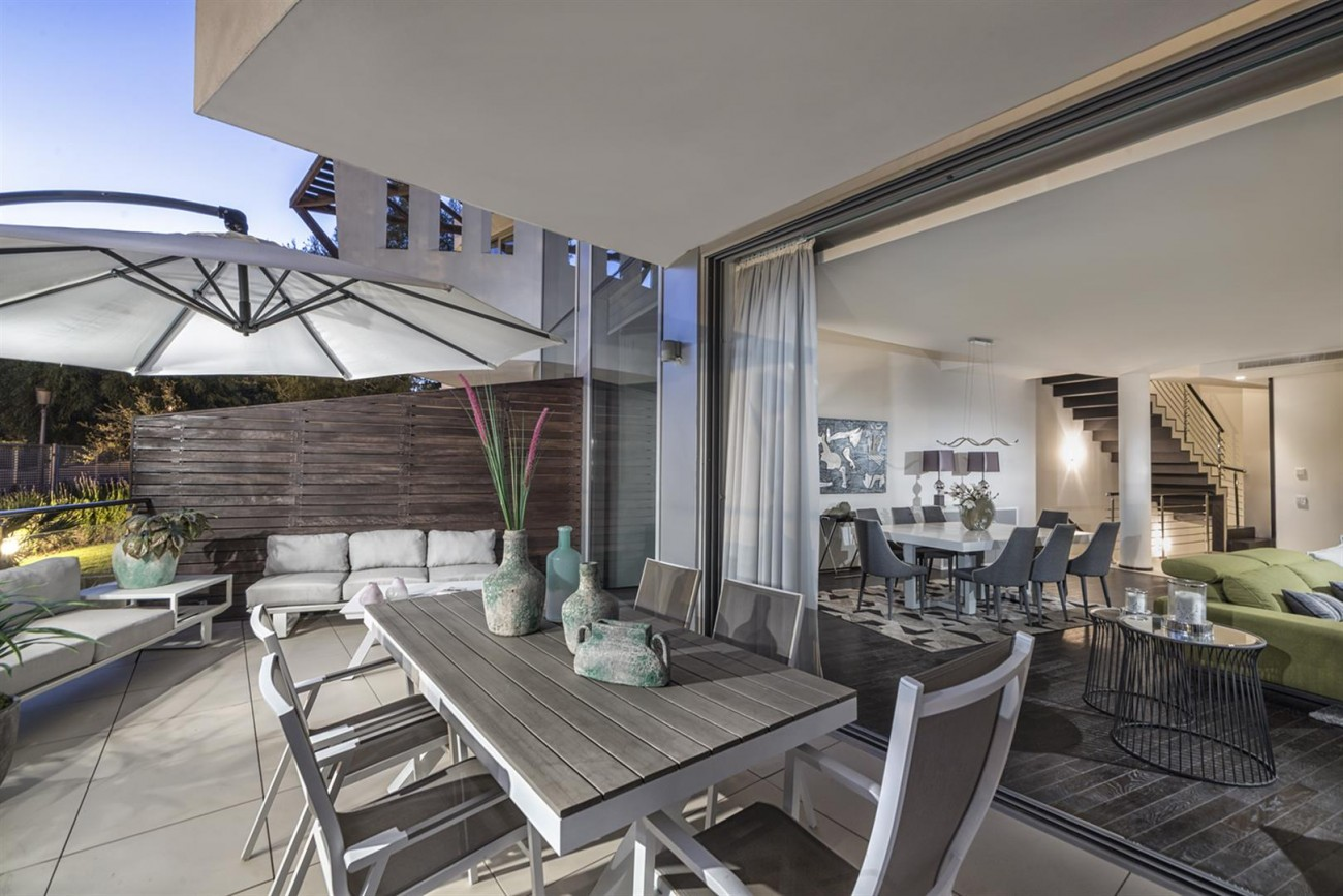 Luxury Contemporary Townhouse for sale in Exclusive Marbella Golden Mile Spain (13) (Large)