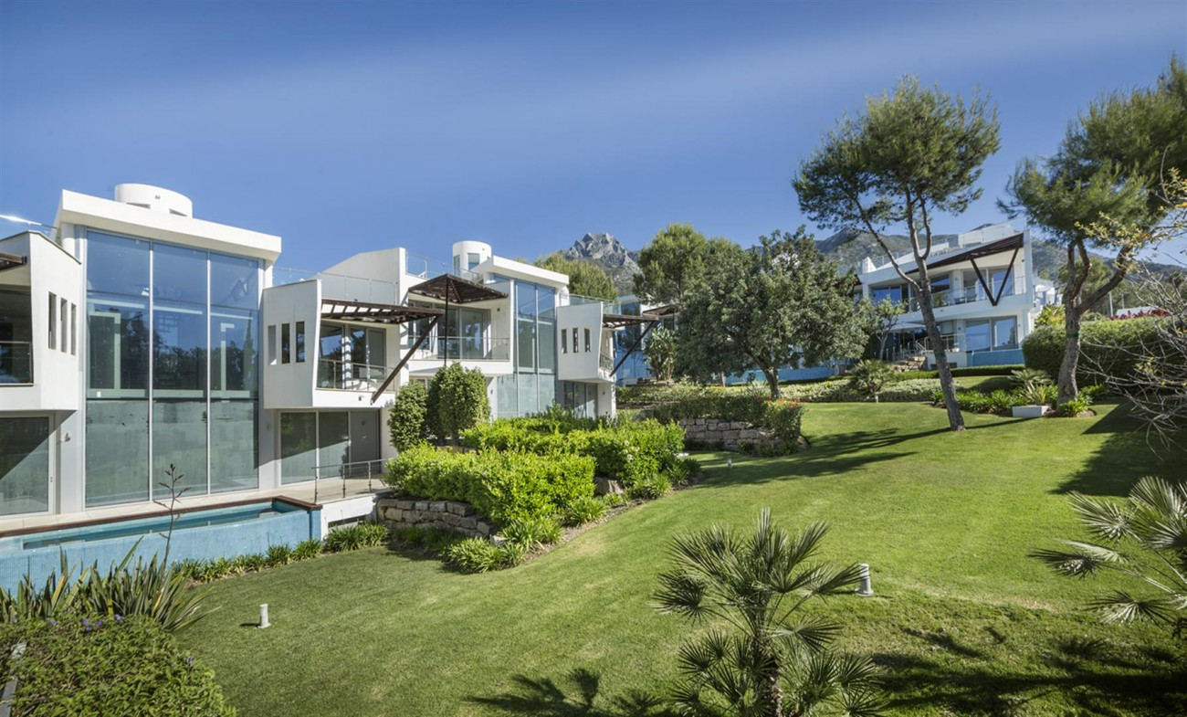 Luxury Contemporary Townhouses for sale Marbella Golden Mile Spain (3) (Large)