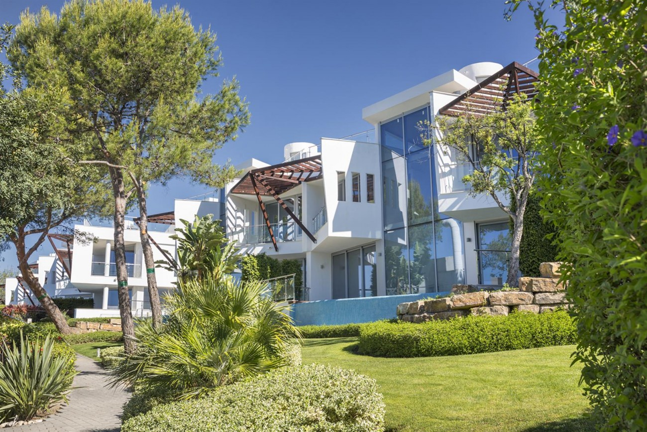 Luxury Contemporary Townhouses for sale Marbella Golden Mile Spain (4) (Large)