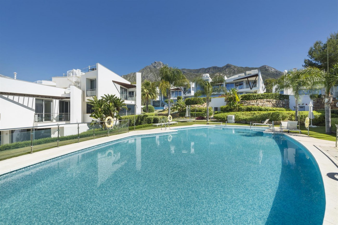 Luxury Contemporary Townhouses for sale Marbella Golden Mile Spain (6) (Large)