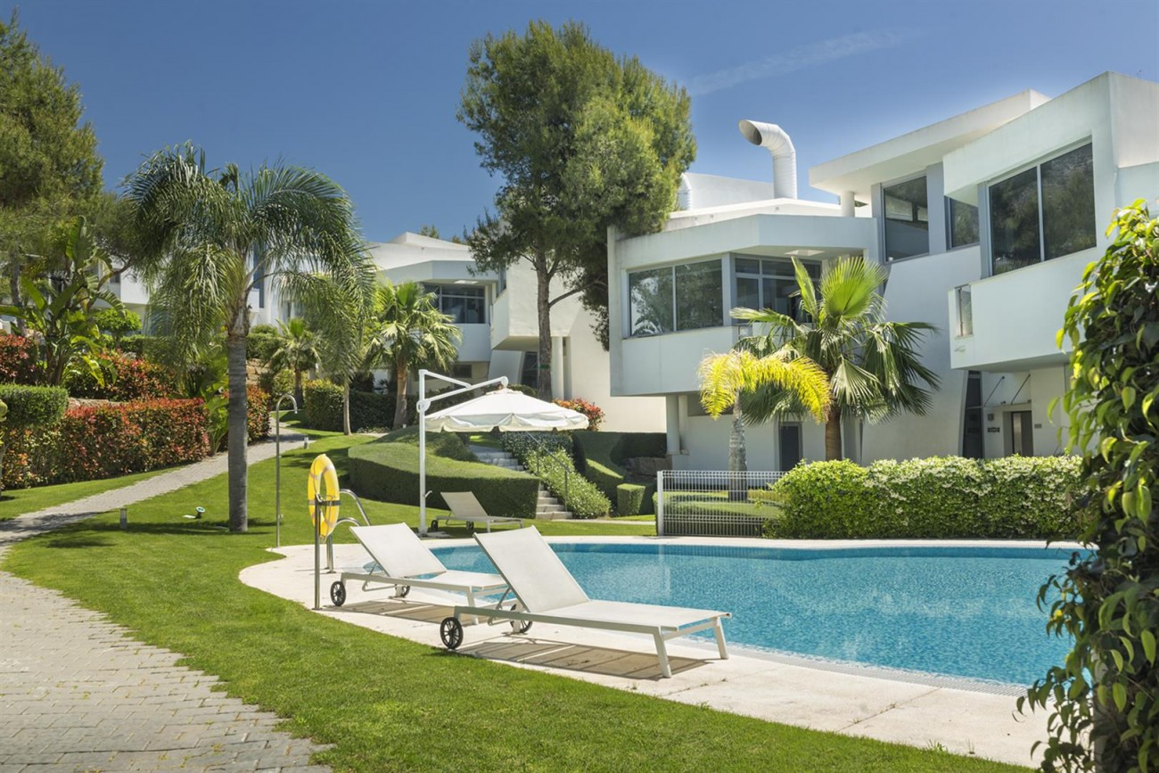 Luxury Contemporary Townhouses for sale Marbella Golden Mile Spain (7) (Large)