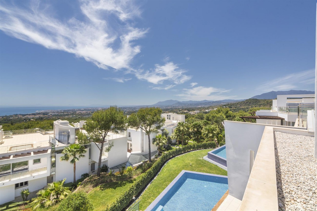 Luxury Contemporary Townhouses for sale Marbella Golden Mile Spain (9) (Large)