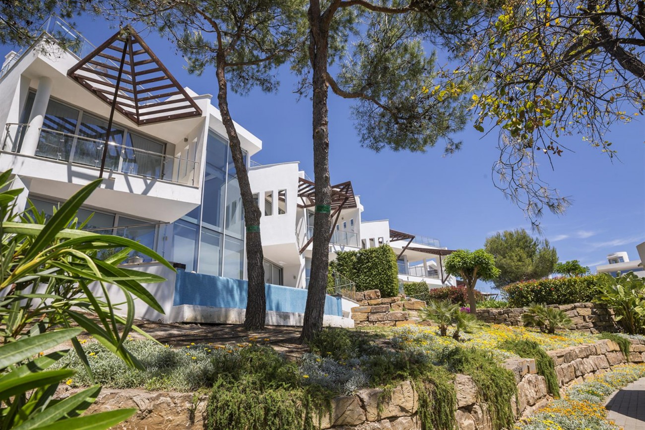 Luxury Contemporary Townhouses for sale Marbella Golden Mile Spain (11) (Large)