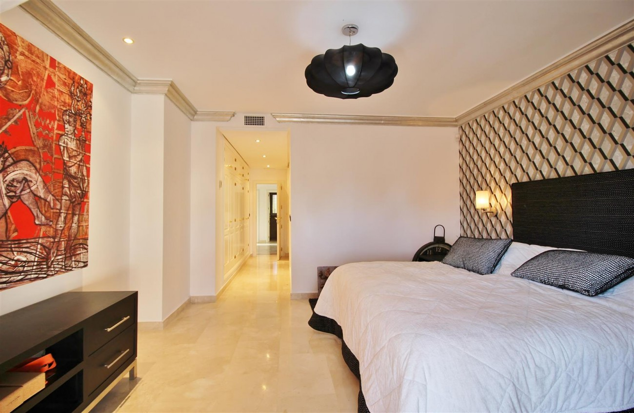 Luxury Penthouse for sale Marbella Golden Mile (7) (Large)