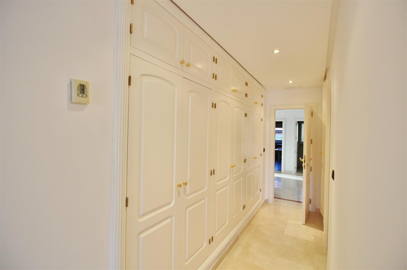 Luxury Penthouse for sale Marbella Golden Mile (8) (Large)