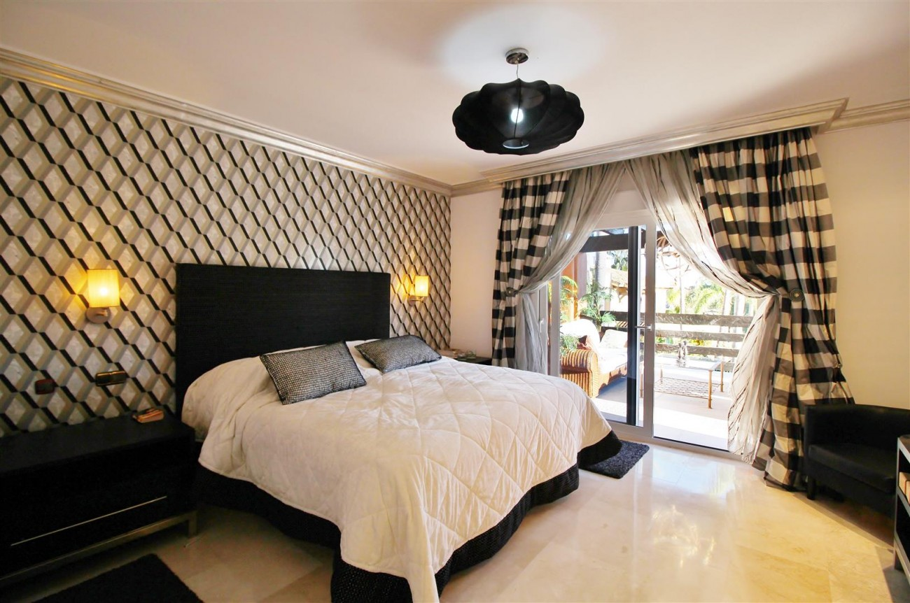 Luxury Penthouse for sale Marbella Golden Mile (9) (Large)