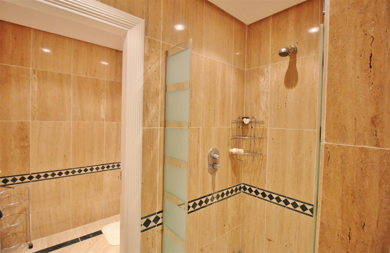 Luxury Penthouse for sale Marbella Golden Mile (11) (Large)