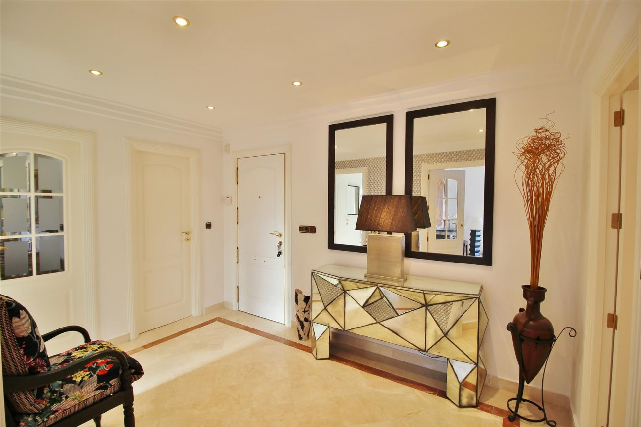 Luxury Penthouse for sale Marbella Golden Mile (17) (Large)